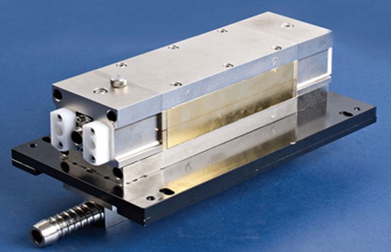 光纤激光焊接jihe心激光器