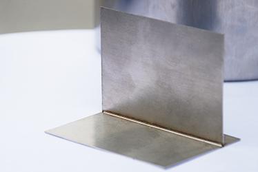 bu锈钢板ji光高速焊接